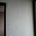 設計師跟木工的討論都直接畫在牆上
