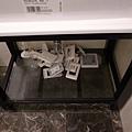 洗手台下面都是拆下來的開關