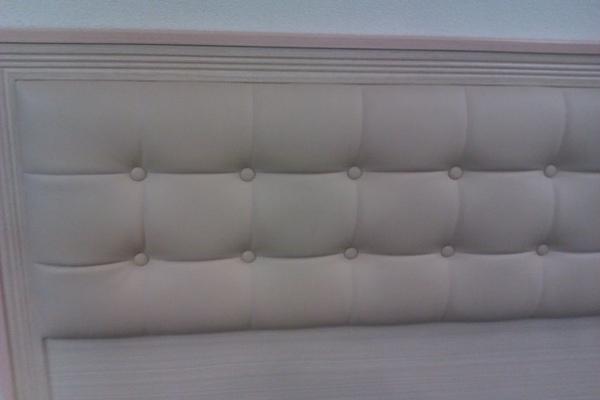 床板,米黃但是設計師皺眉