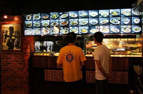 呂桑食堂-中山店-一樓裝潢-點菜區