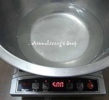 製作百分2硼酸溶液