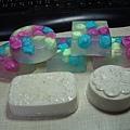 美白皂和清爽皂(換個角度拍攝)