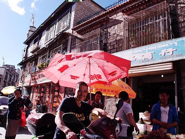 91-西藏拉薩街頭(我是吳酸酸)
