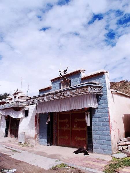 09-西藏拉薩前往山南 找廁所.JPG
