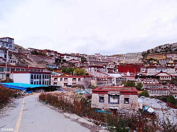 33-西藏拉薩前往山南甘丹寺.JPG