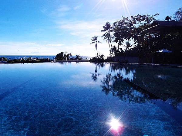 40-Asya Premier Suites Boracay游泳池