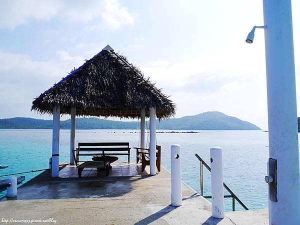 67-Coral Bay Beach and Dive Resort.JPG
