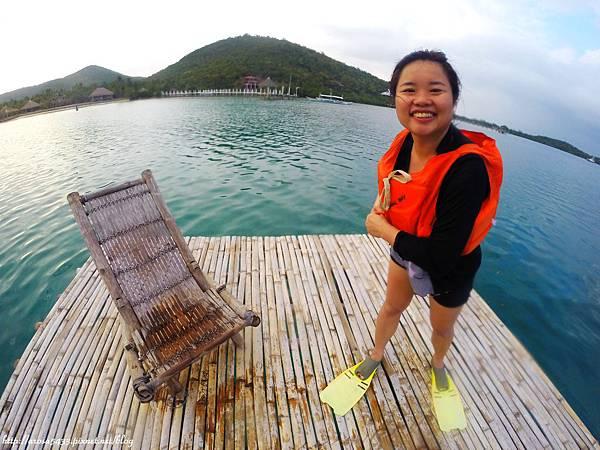 76-Coral Bay Beach and Dive Resort.JPG
