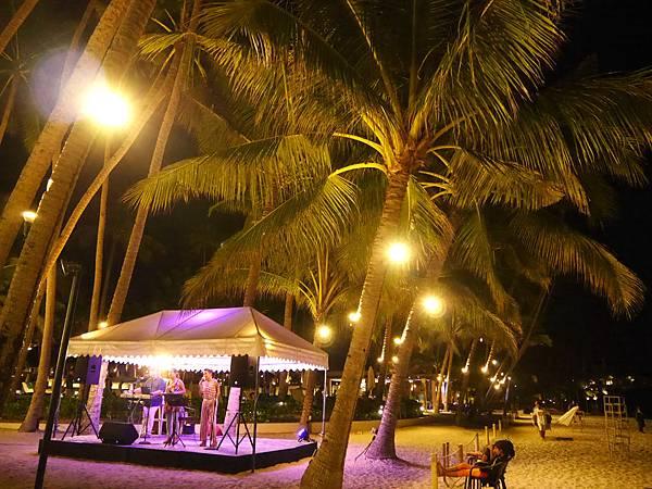 04-Henann Resort Alona Beach自助餐.JPG