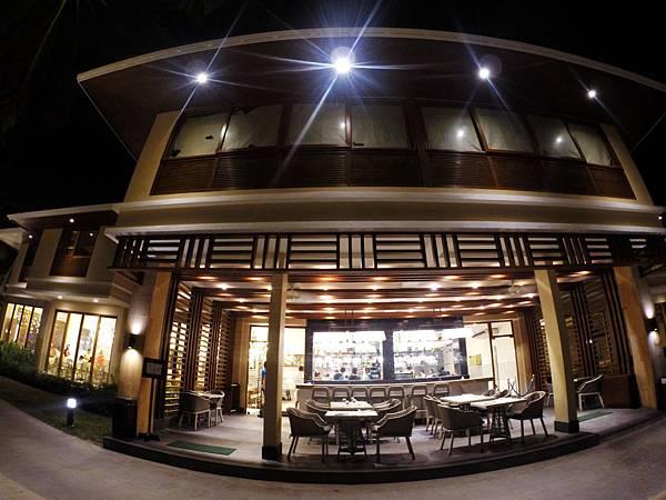 09-Henann Resort Alona Beach自助餐.JPG