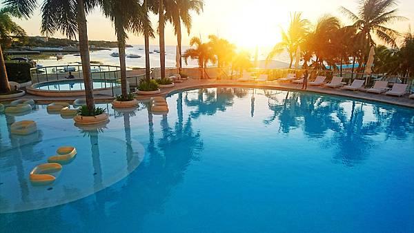07-Movenpick Hotel Mactan Island Cebu 吳酸酸.JPG