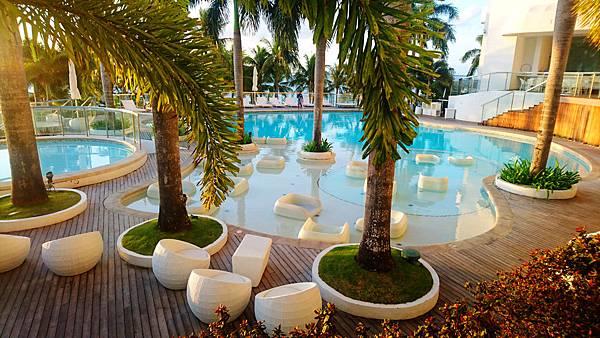08-Movenpick Hotel Mactan Island Cebu 吳酸酸.JPG
