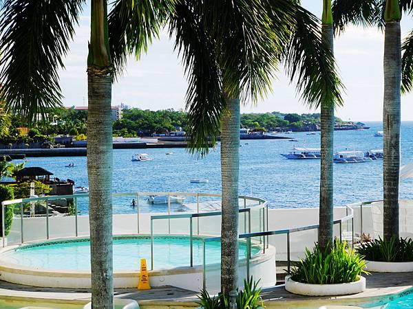 28-2-Movenpick Hotel Mactan Island Cebu 吳酸酸.JPG
