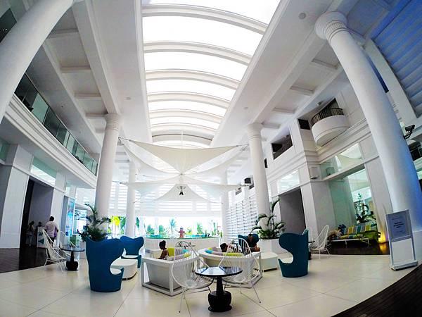 42-Movenpick Hotel Mactan Island Cebu 吳酸酸.JPG