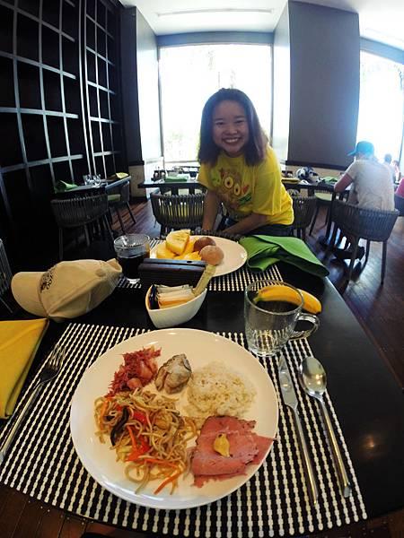 49-Movenpick Hotel Mactan Island Cebu 吳酸酸.JPG