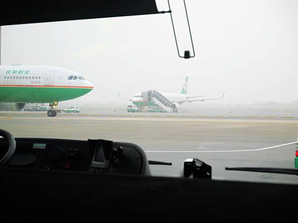 12-搭長榮班機 直飛宿霧.JPG