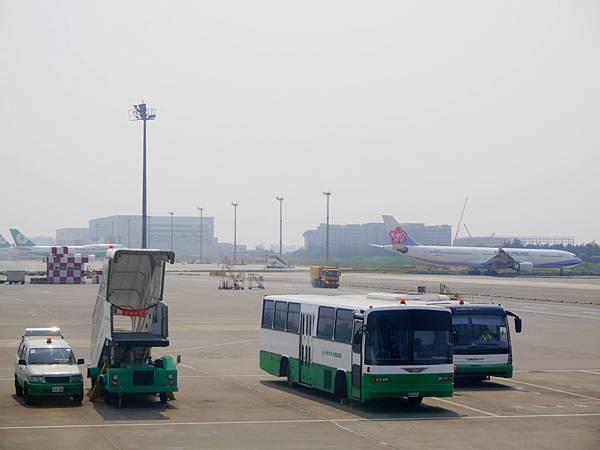 57-宿霧機場 搭長榮班機回台灣.JPG
