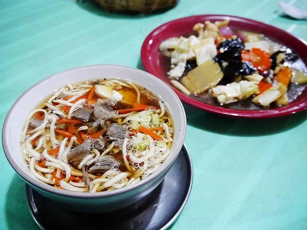 18-Coron 科隆 平價餐館 平價美食 吳酸酸.JPG