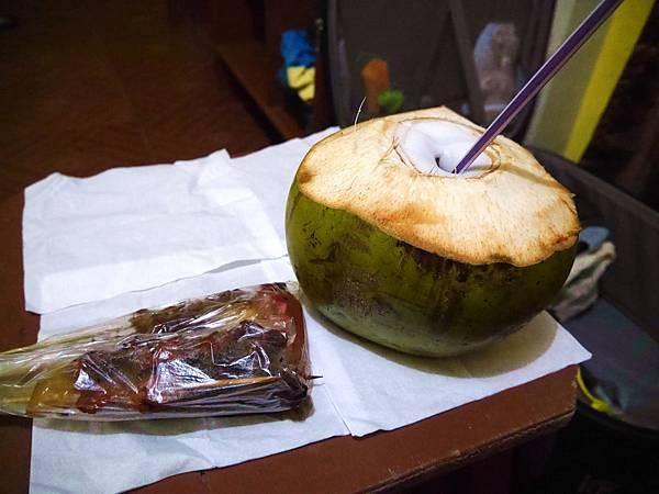 13-菲律賓科隆小吃大集合 烤肉 吳酸酸.JPG