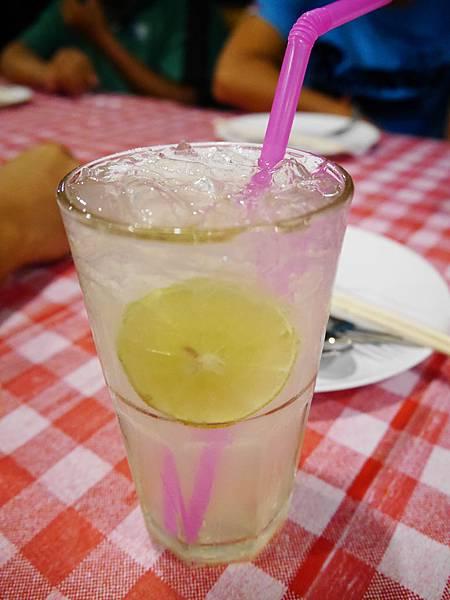 18-超好喝又解膩的 lemonade特調檸檬汁.JPG