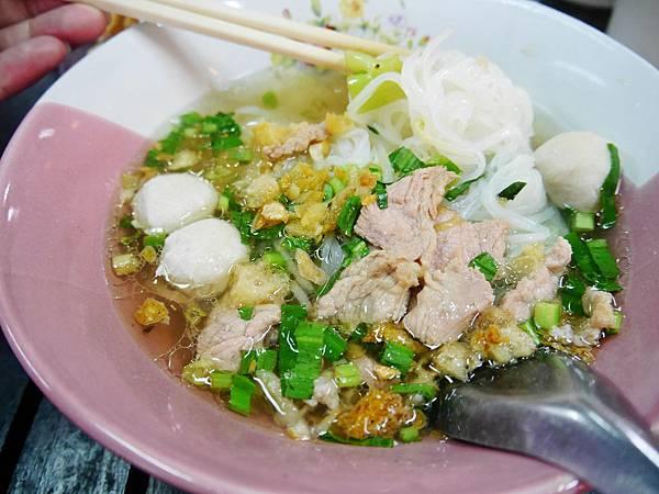 19-泰國平民小吃 米粉湯(還有粿條湯).JPG