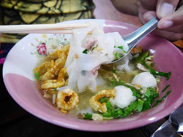 18-泰國平民小吃 米粉湯(還有粿條湯).JPG