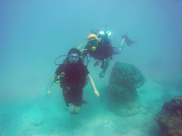 29-普吉島 珊瑚島潛水吳酸酸.JPG