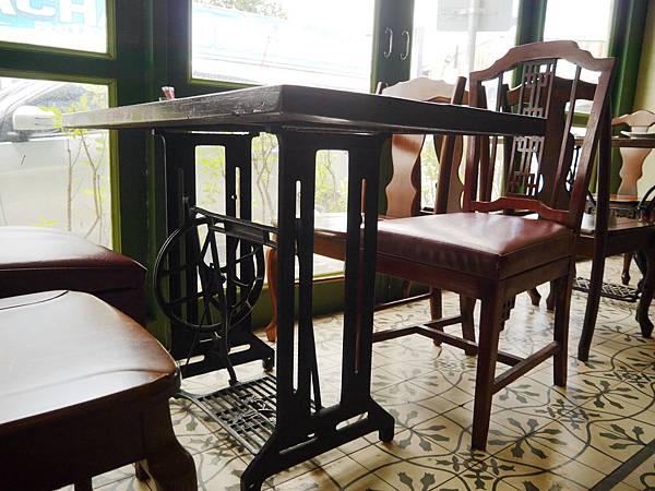 24-普吉島百年老房子餐廳 One Chun 吳酸酸.JPG