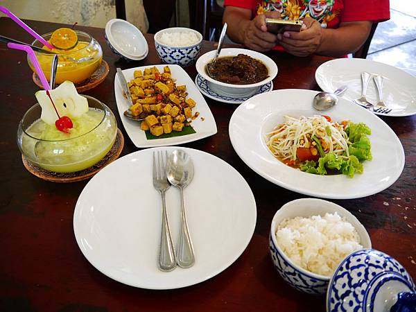 48-普吉島百年老房子餐廳 One Chun 吳酸酸.JPG