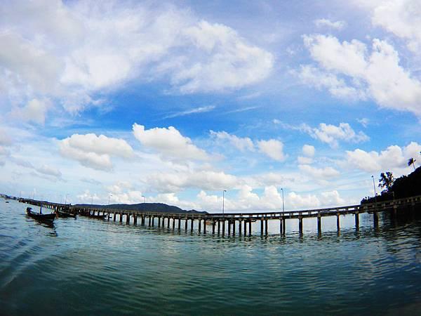 13-普吉島南部最大碼頭 Ao Chalong pier.JPG