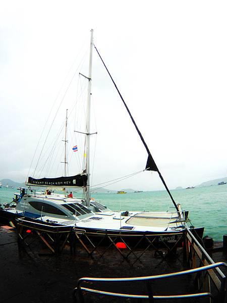 22-普吉島南部最大碼頭 Ao Chalong pier.JPG