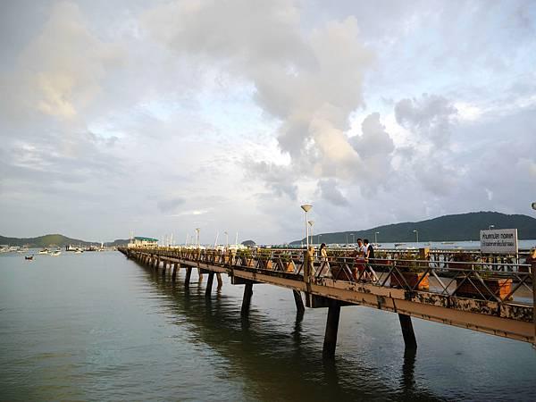 38-普吉島南部最大碼頭 Ao Chalong pier.JPG