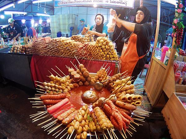 02-Phuket Weekend Market (Naka Market) 普吉島假日夜市 吳酸酸.JPG