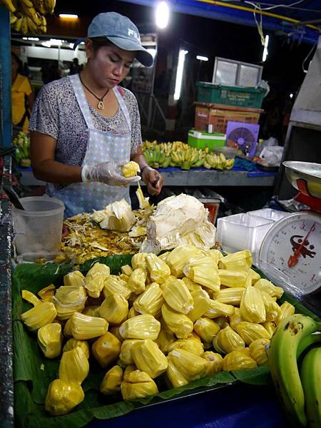 29-Phuket Weekend Market (Naka Market) 普吉島假日夜市 吳酸酸.JPG