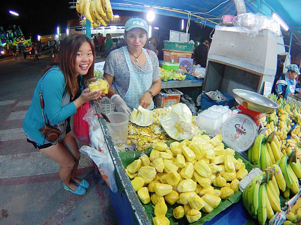 28-Phuket Weekend Market (Naka Market) 普吉島假日夜市 吳酸酸.JPG
