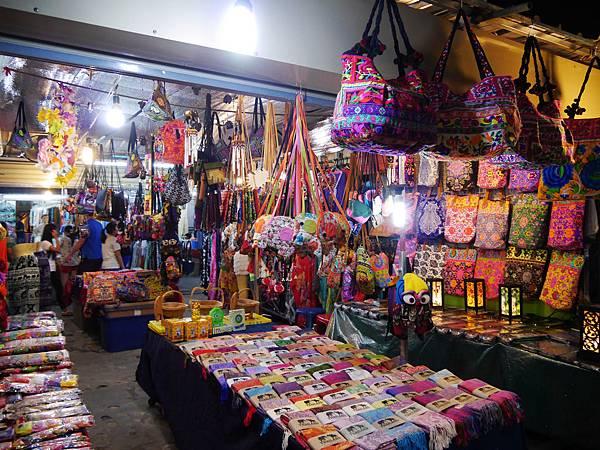 48-Phuket Weekend Market (Naka Market) 普吉島假日夜市 吳酸酸.JPG