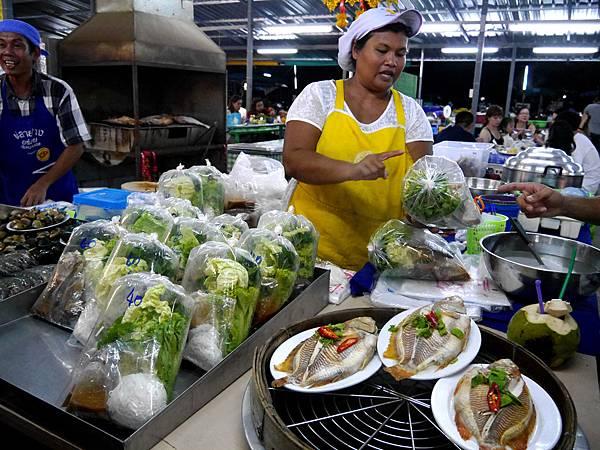 58-Phuket Weekend Market (Naka Market) 普吉島假日夜市 吳酸酸.JPG