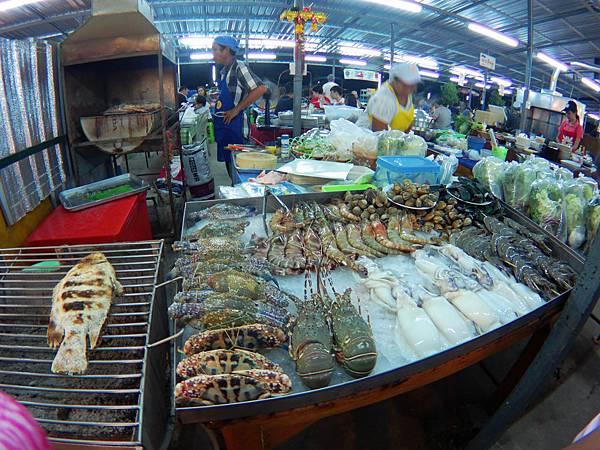 59-Phuket Weekend Market (Naka Market) 普吉島假日夜市 吳酸酸.JPG