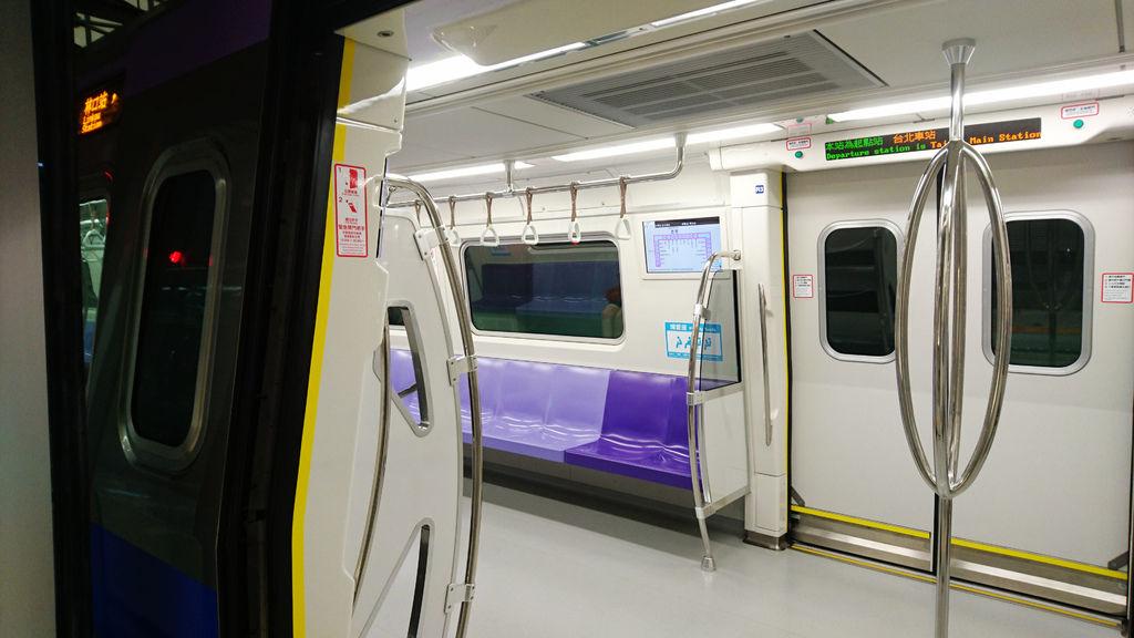 13-機場捷運 到林口.JPG