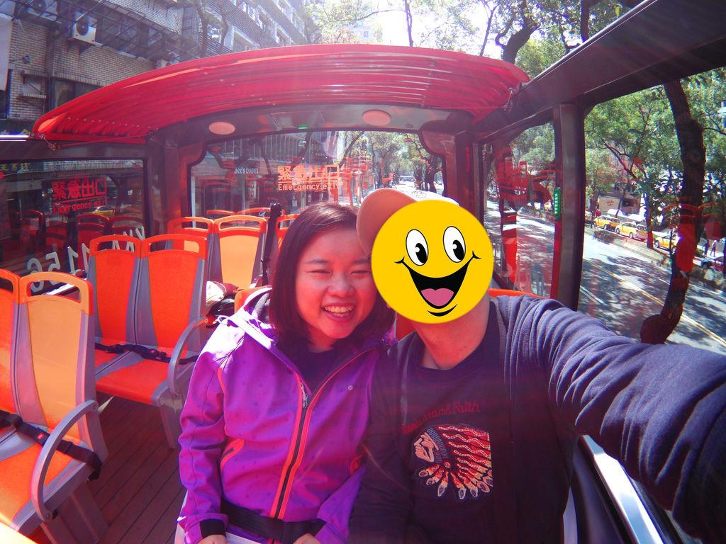 13-台北雙層觀光巴士 吳酸酸.JPG
