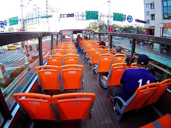 53-台北雙層觀光巴士 紅線 吳酸酸.JPG