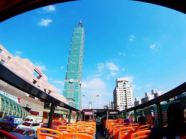 59-台北雙層觀光巴士 紅線 吳酸酸.JPG