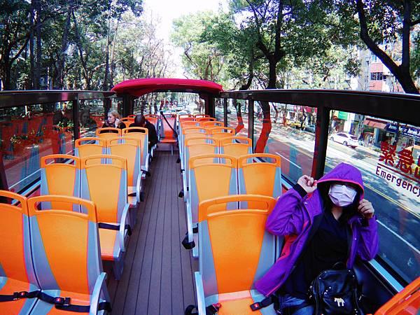 47-台北雙層觀光巴士 吳酸酸.JPG
