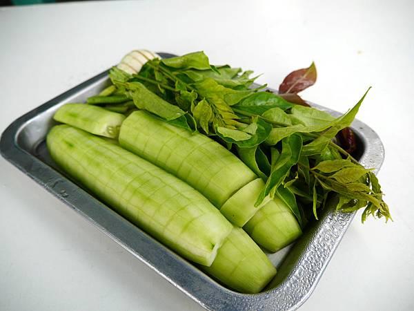 04-泰國普吉島 跟著計程車司機吃美食 吳酸酸.JPG