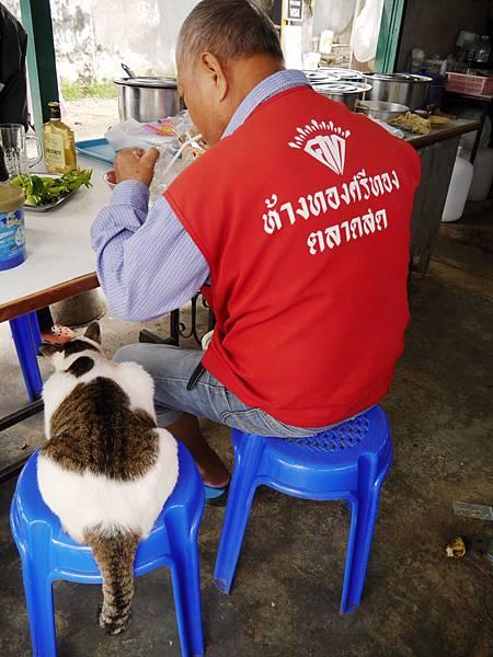 18-泰國普吉島 跟著計程車司機吃美食 吳酸酸.JPG