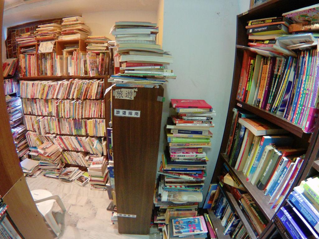 08-最有溫度的書店 愛閱二手書坊.JPG