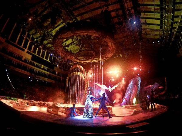 14-太陽馬戲阿凡達前傳 Cirque Du Soleil TORUK.JPG