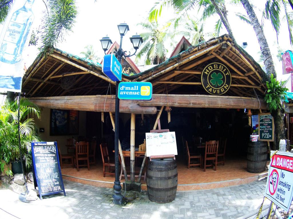 02-長灘島 哈比人餐廳The Hobbit Tavern.JPG