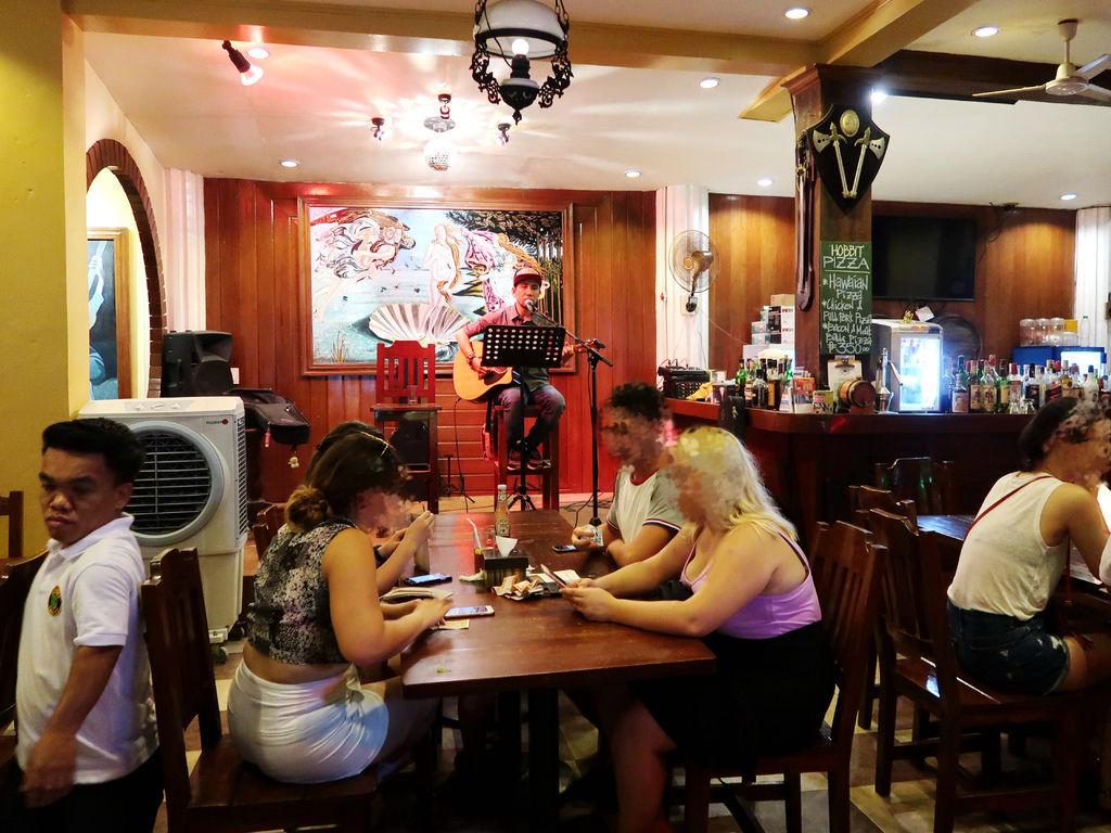 08-長灘島 哈比人餐廳The Hobbit Tavern.JPG