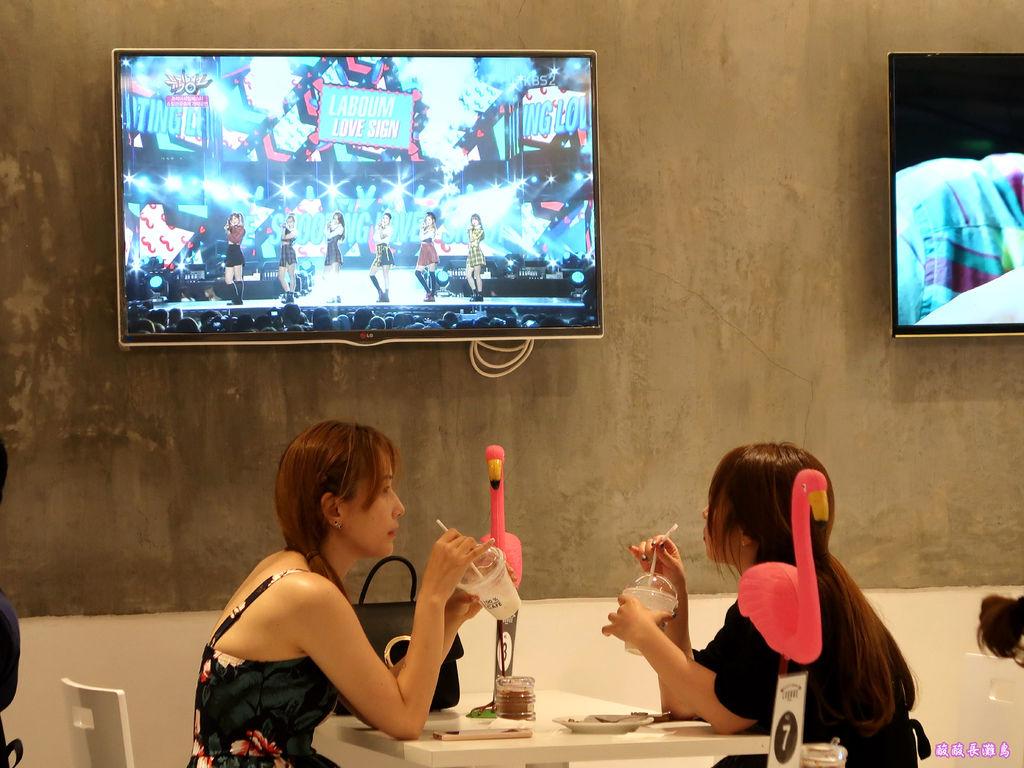 04-Boracay 100% Coconut Cafe 百分之百椰子咖啡店.JPG